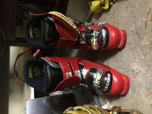 Boots and skiis