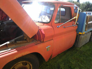 1964 CHEV I TON FOR PARTS WITH GOOD 10 FT STEEL DECK