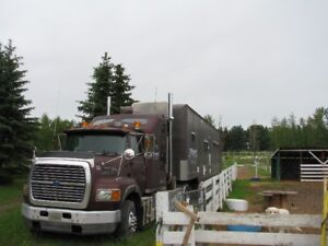 Horse or Race vehicle trailer with LQ, and highway tractor
