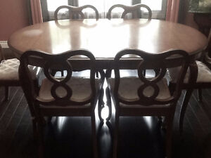 FRENCH PROVINCIAL DINING TABLE ONLY - NO CHAIRS