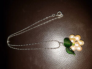 Grape Bunch Pearl Necklace