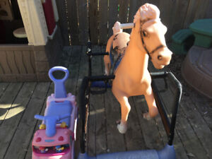 Free ride on horse and car