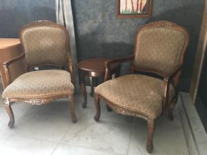 Ensemble 2 fauteuils et table d'appoint