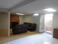 Oakville walkout spacious 3-bedroom apartment