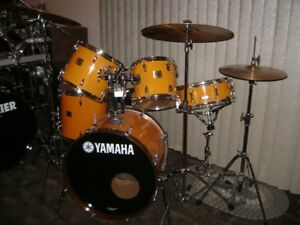 Yamaha Drums Complete wit Sabian Cymbals and Stands