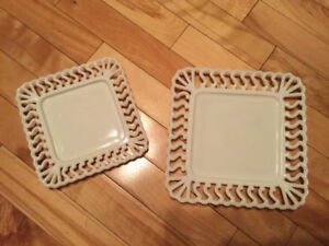 Assiettes de service en « Milk Glass »