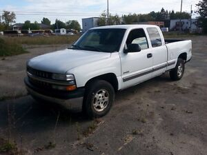 Chevrolet Silverado 1500 4x4 bonne condition.