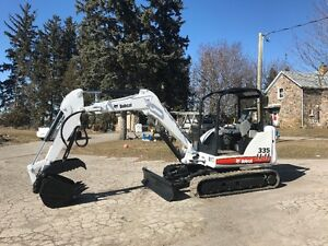 Bobcat 335 Excavator with thumb
