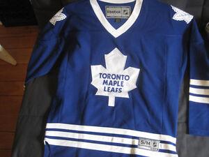 New Reebok Toronto Maple Leafs Jersey - M