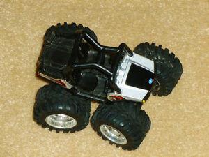 • POLARIS RZR 900 Toy Replica Oakville / Halton Region Toronto (GTA) image 4