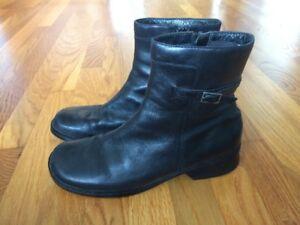 Size 9.5 Leather Clarks Boots & throwing in other shoes