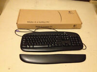 Logitech PC keyboard - excellent condition