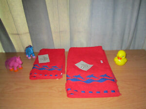 Towels (Large and Medium) + Two Horses Color Surprise & Duck