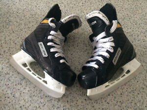 Youth Bauer Supreme Size 9 Skates