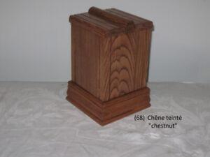 Urnes funéraires en bois (suite) (art)