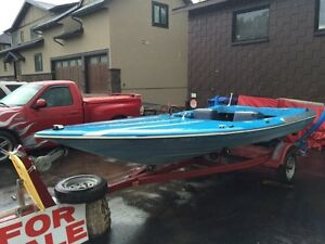 15' fiberglass speed boat no motor