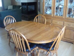 Wooden dining room table & 4 chairs