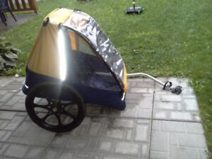 Remorque pour vélo valeur neuf 400 $ ultra léger en aluminium