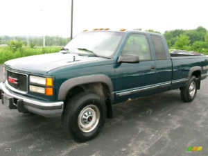 LOOKING FOR A PAIR OF REASONABLY CLEAN GM 4x4 FULL SIZE TRUCKS