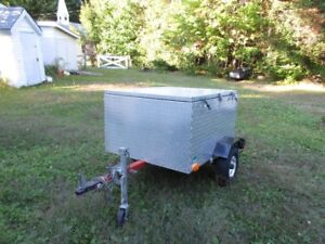 Trailer with aluminum box