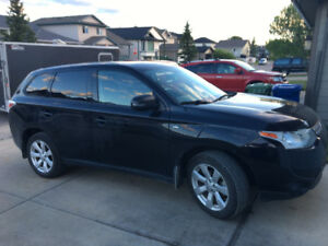 PRICE DROP!!! 2014 Mitsubishi Outlander SUV, Crossover