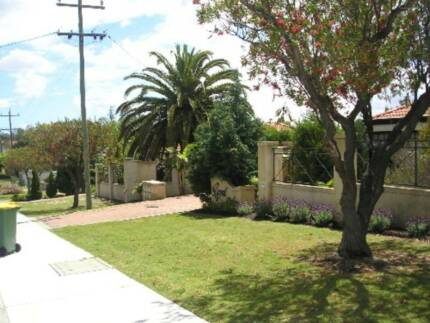 Comfortable, Furnished, NBN, Secure, Air Con, 5mins to Curtin