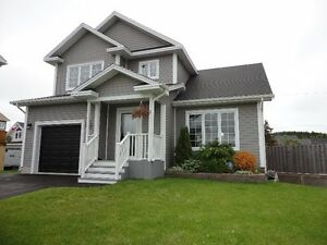 Lovely home on a quiet family friendly cul de sac!