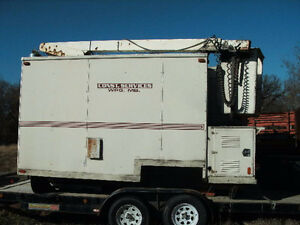 INSULATED HEATED 15' VAN BOX WITH 35' VERSALIFT BUCKET BOOM