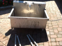 Commercial/Industrial Stainless Steel Sink
