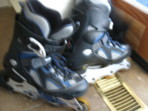Like new condition pair of size 10 rollerblades