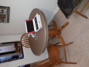 Table .40 in diameter .wood .