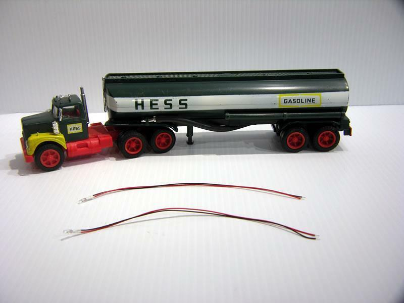 """1967 to 1976 HESS BULBS - RED & BLACK WIRES - REPLACEMENT LIGHT PART"""