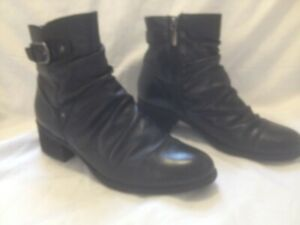 Ladies College Black Leather Ruched Short Winter Boots 9M