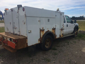 Service truck 4X4 c/w air compressor!! London Ontario image 2