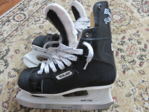 Gentley Used Bauer Supreme Junior 92 Hockey Skates (Size 5 EE)