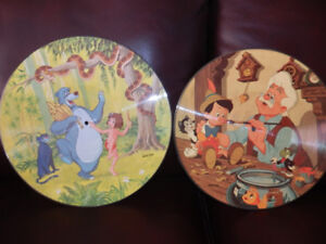COLLECTION OF 7 DISNEY PICTURE RECORDS CIRC 1982 & SMURFS DISC