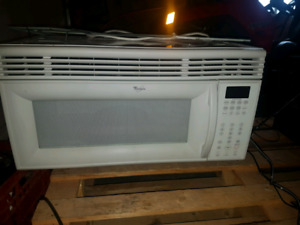 Whirlpool microwave with exhaust fan