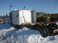 1996 Freight liner parting out