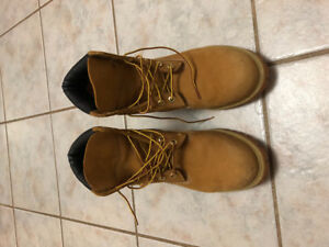 Almost new Timberland boots for sale!