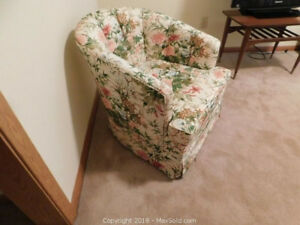 Great tub chair for LR or Bedroom