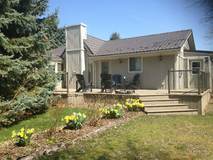 SPACIOUS COTTAGE GRAND BEND  Short & Long Term Rental avail