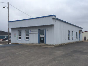 FOR SALE BY ROYAL LEPAGE - COMMERCIAL BLDG 167 Hamilton River Rd