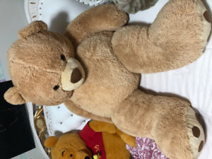 Brand new giant bear 3ft and 5ft white n brown colour soft comfy