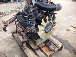 2004 4.6L 2V Triton Engine London Ontario image 1