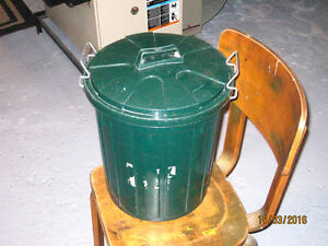 Portable Plastic Trash Can Windsor Region Ontario image 1