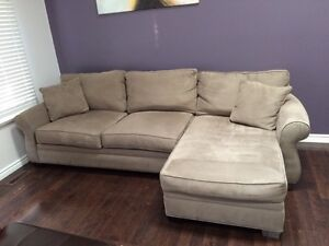 Beautiful couch. In great shape! London Ontario image 2