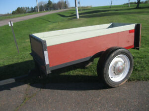 Utility Trailer { It dumps too !! }
