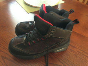 Men's Steel Toe Work Boots  size 9   (Like new condition)