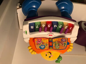 Infant fisher price piano