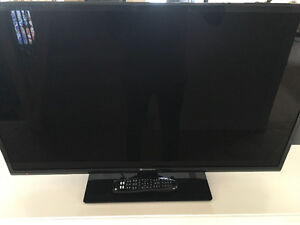 Element 40 inch LED flat screen tv with remote